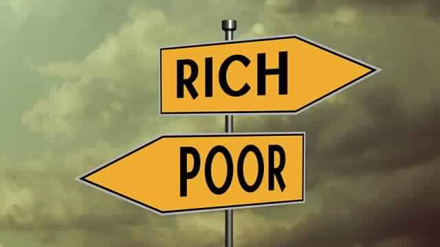 The 13 Biggest Differences Between Rich & Poor People [Infographic]
